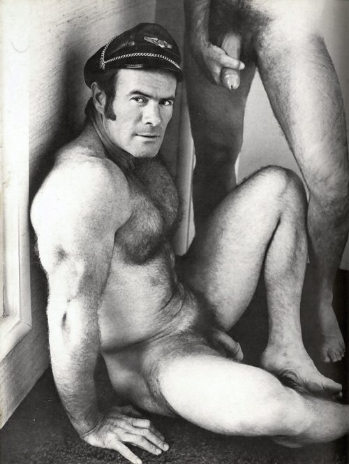 best gay vintage porn Nothing warms my hear more than the delightful  overacting and forgetful script of classic vintage gay porn!.