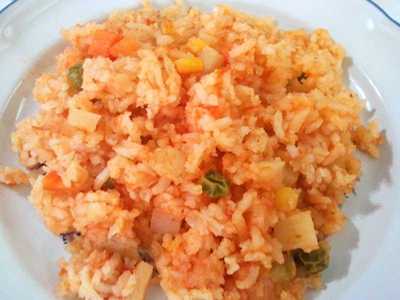 Recetas f ciles y deliciosas arroz rojo a la mexicana for Como cocinar arroz en microondas