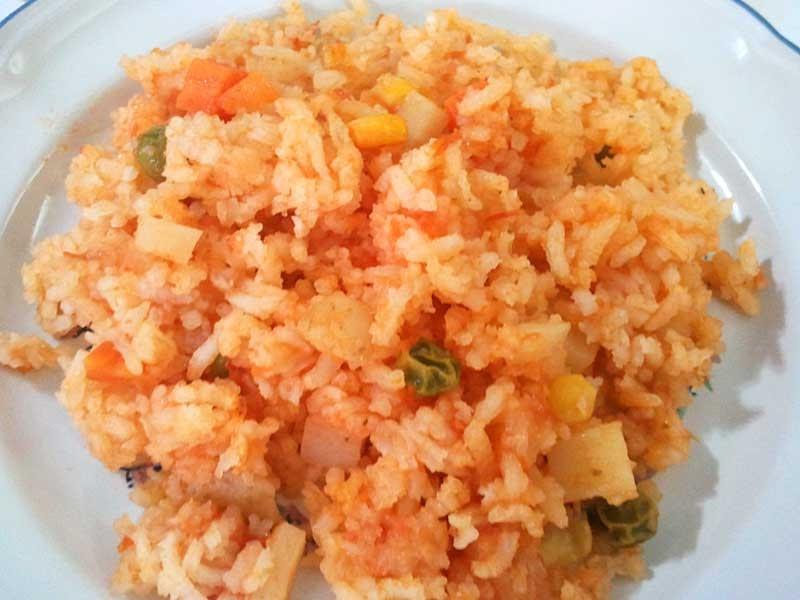 Recetas f ciles y deliciosas arroz rojo a la mexicana for Cocinar 2 tazas de arroz