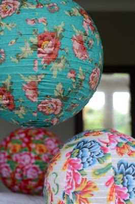l 39 instant po tique boules japonaises en tissu. Black Bedroom Furniture Sets. Home Design Ideas