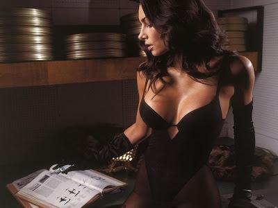 Lingerie Girl Wallpaper Bikini Babe Wallpaper