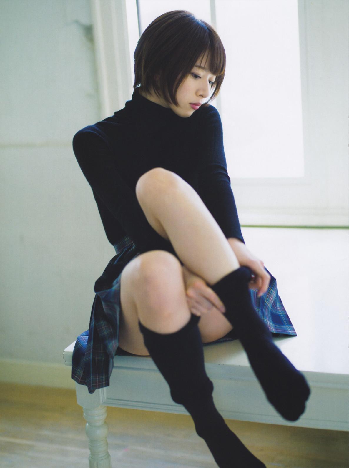 橋本奈々未のミニスカート