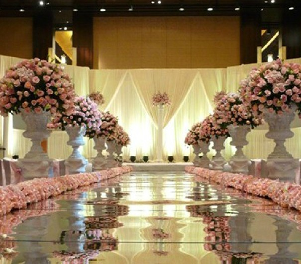 Hitched wedding planners singapore 9 elegant and stunning wedding wedding stage backdrop singapore wedding decor img src via pinterest junglespirit Choice Image