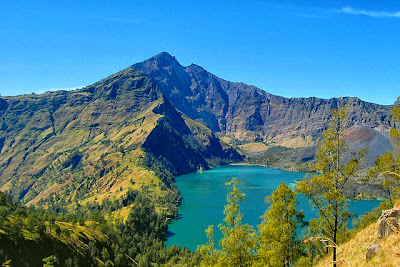 keindahan alam pulau lombok indonesia - munsypedia.blogspot.com