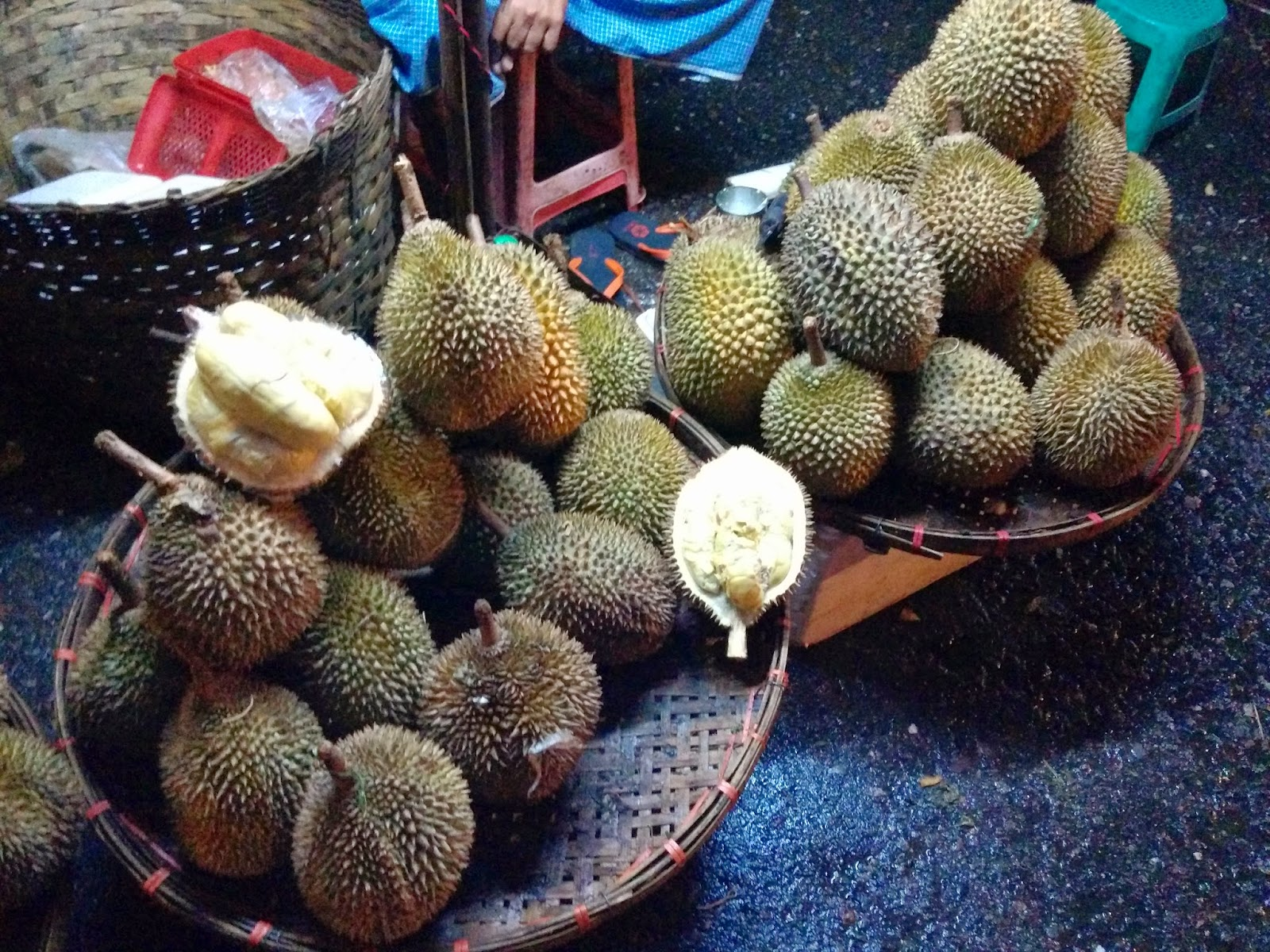 durian info durian seasons in durian production areas. Black Bedroom Furniture Sets. Home Design Ideas