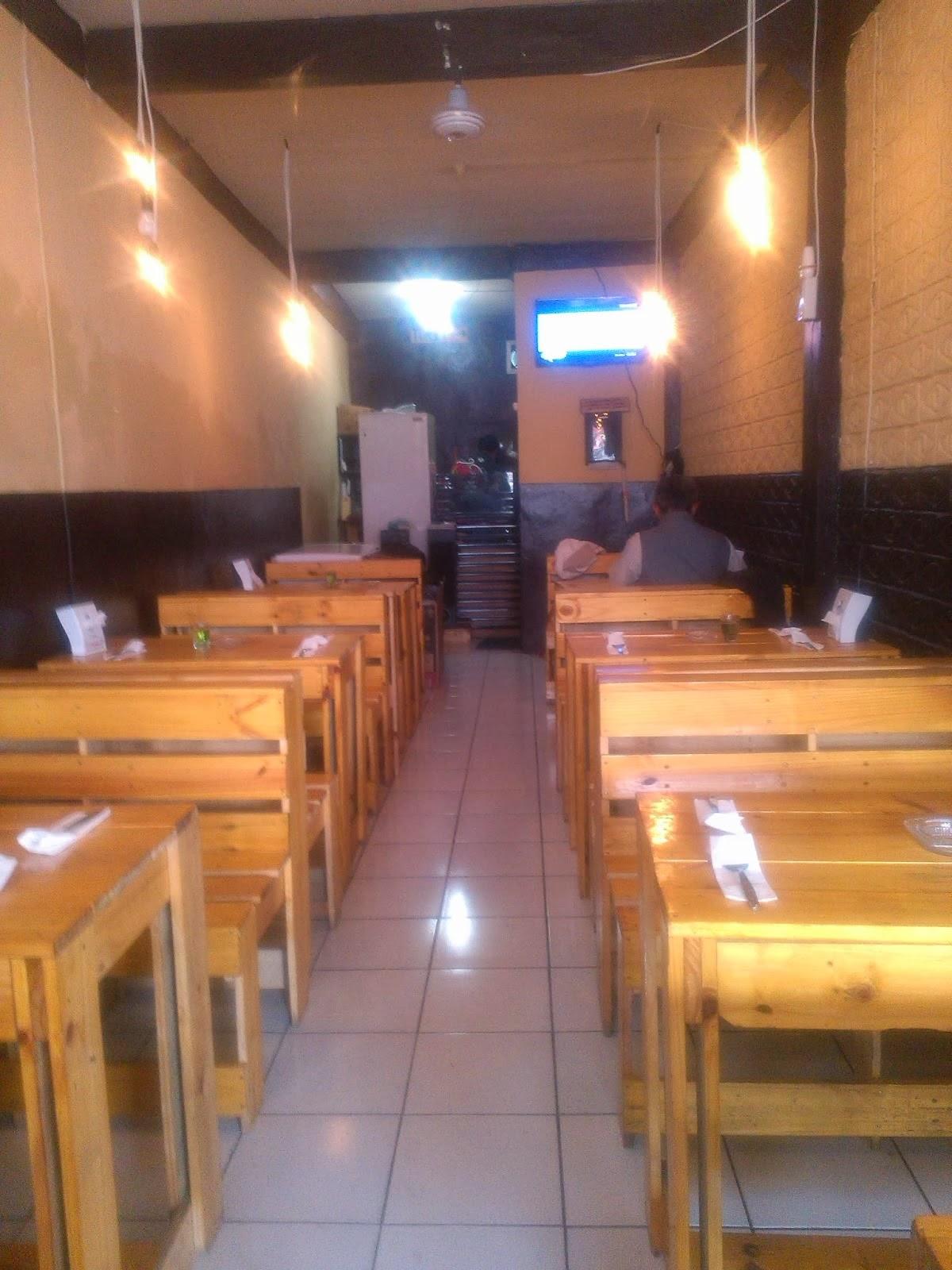 Kedai Mas Broe: Tempat Kedai, Rasa Masakan Hotel
