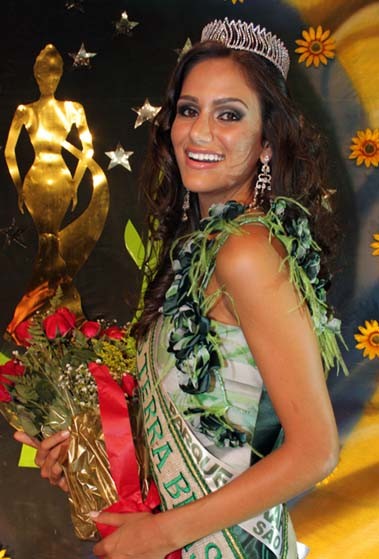 driely bennettone,miss earth brazil 2011