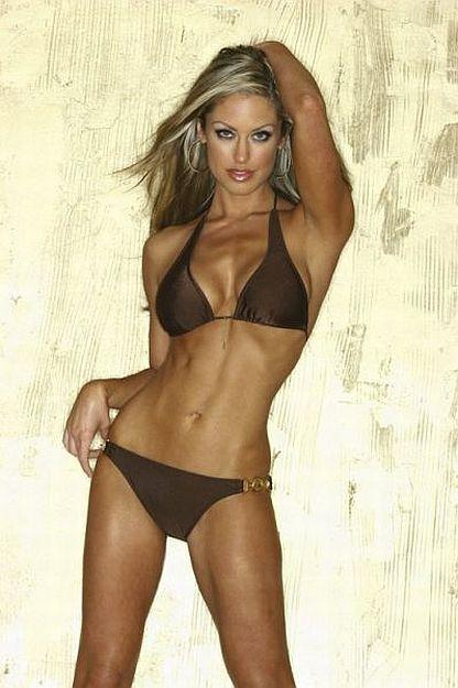 Angela Chittenden - Female Fitness Model