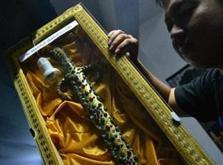 Kemunculan Pedang Nabi Muhammad Hebohkan Warga Semarang