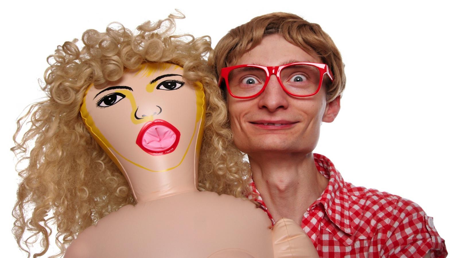 Трахает куклу смотреть онлайн 8 фотография