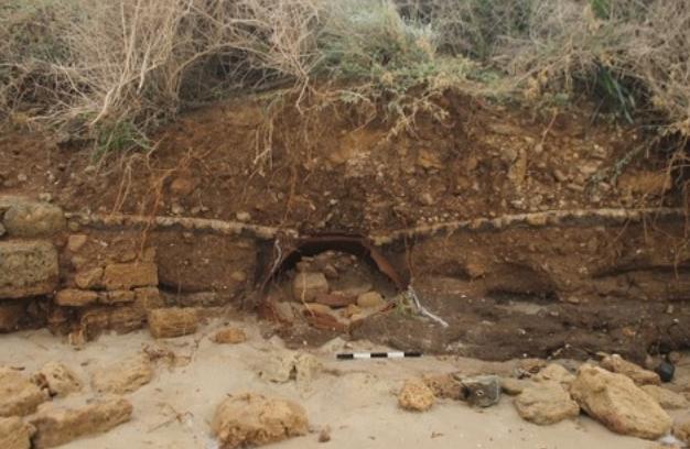 Θύελλα αποκαλύπτει τεράστιο Βυζαντινό αγγείο σε παραλία