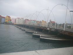 Queen Emma Floating Bridge with Punda in background, Willemstad