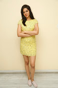 Sakshi chowdary sizzling pics-thumbnail-17