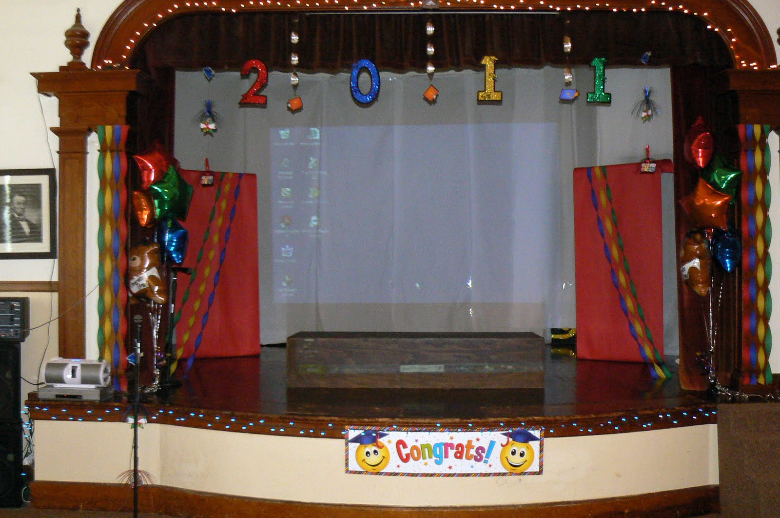 Very Best Kindergarten Graduation Stage Decoration Ideas 1600 x 1062 · 213 kB · jpeg