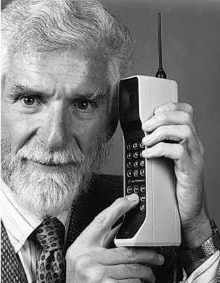 Penemu Handphone Pertama - Martin Cooper