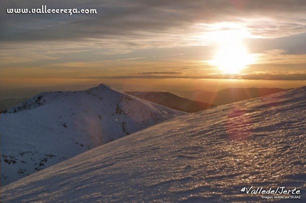 Puesta de sol sobre las cumbres del Valle del Jerte
