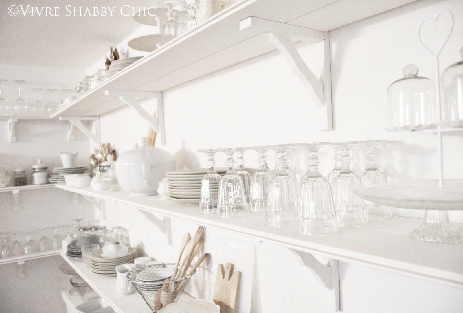 Vivre Shabby Chic: Open Shelving in cucina: la mia parete attrezzata.