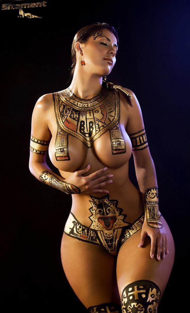 Body paint de chasseresse indienne sur stéphanie Arias