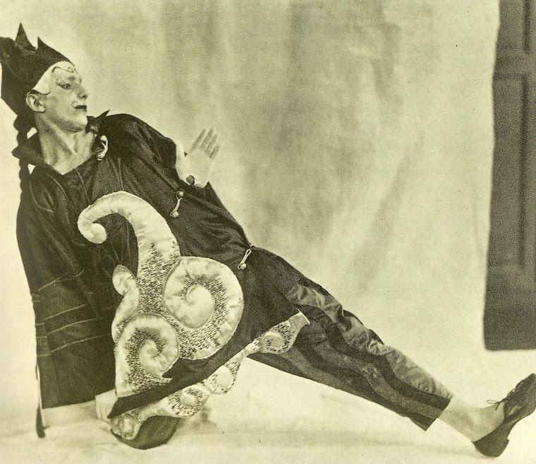 MASSINE, Léonid, coreógrafo e bailarino no balé Parada [Parade] (Paris, 1917).