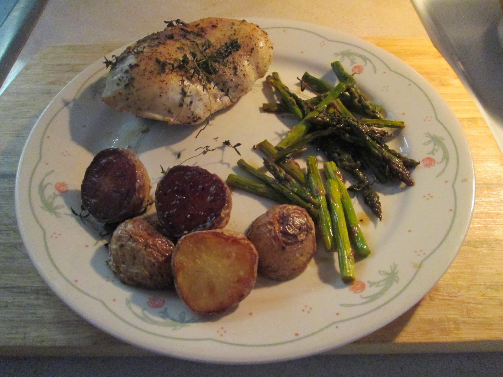 Diab2Cook: Roast Chicken with Potatoes, Lemon, and Asparagus