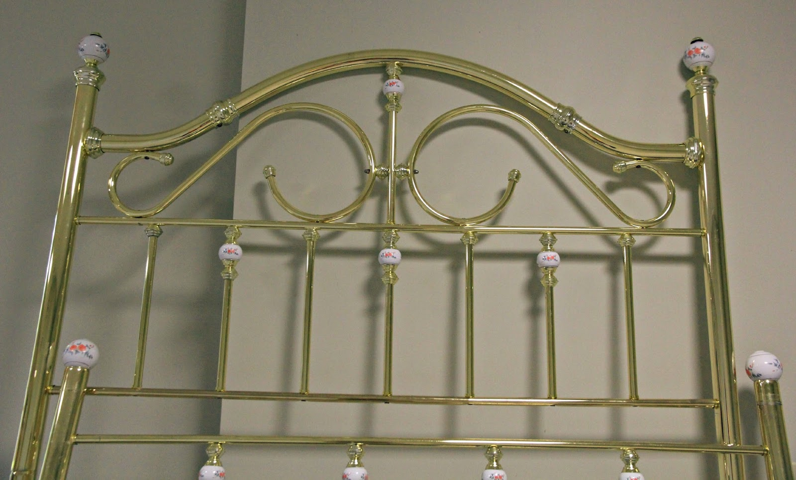 Interior shareapy metal bed frame makeover for How to paint a metal bed frame