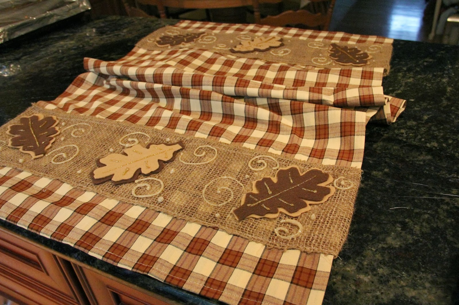fall table runner and changes in dining