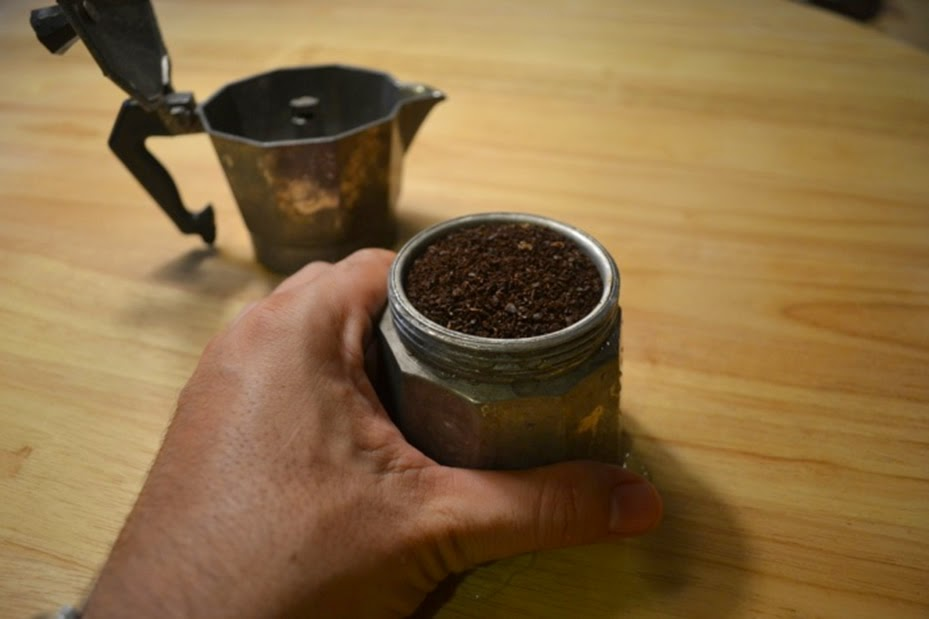 How to Brewing Coffe Using Stovetop Espresso Makers
