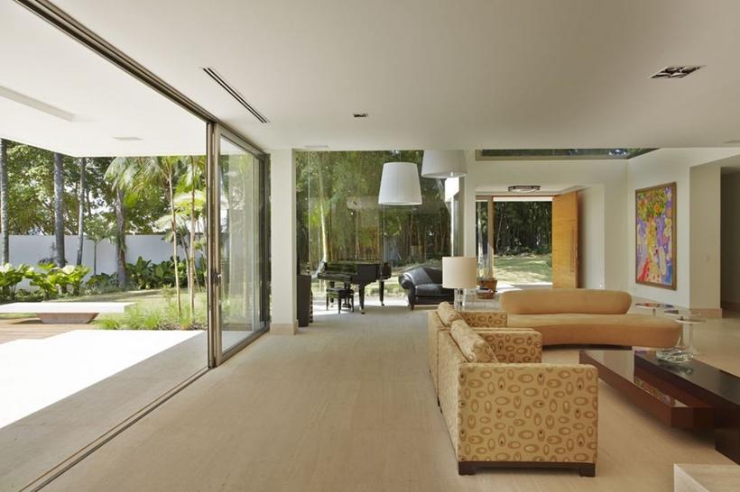 Interior of The Morumbi Residence by Drucker Arquitetura