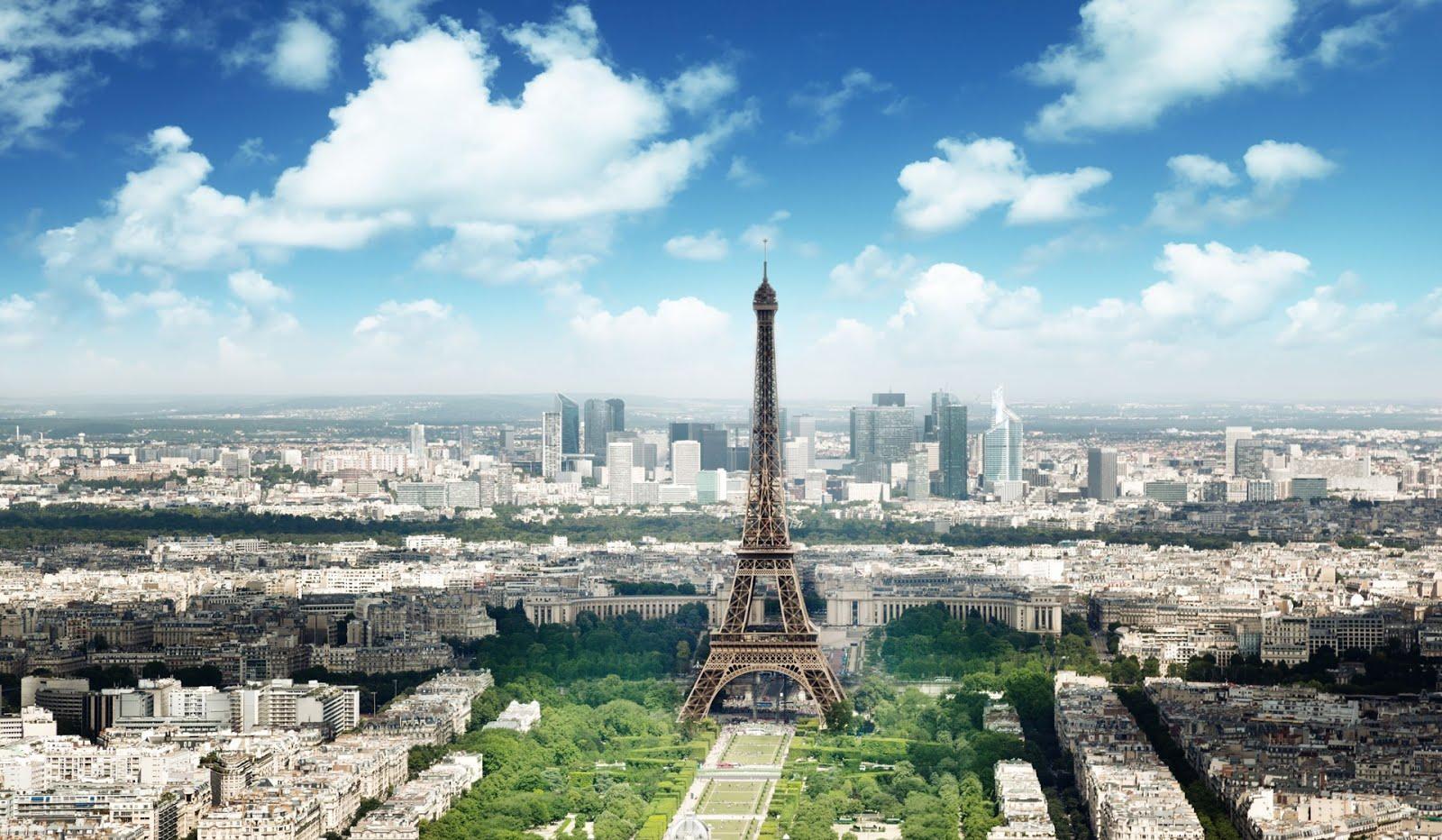 Banco de im genes panor mica de la torre eiffel en par s francia - Landscaping parijs ...