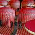 Paris rouge - une terrasse