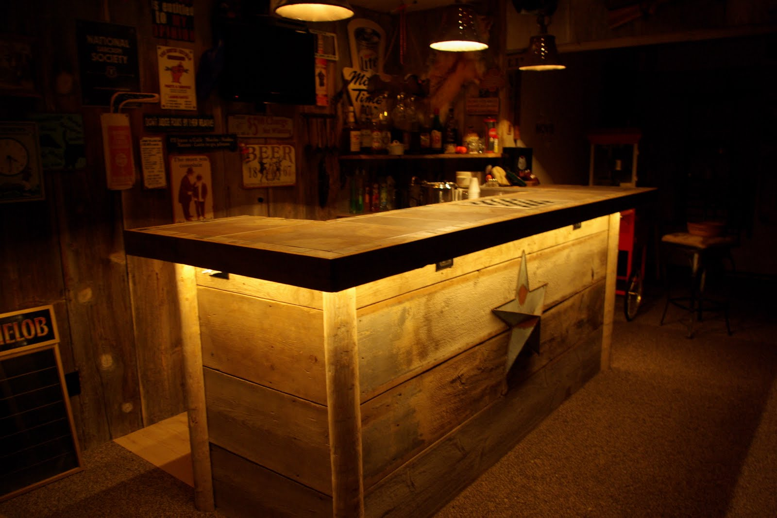Reclaimed rustics barn wood bar - Bars for the house ...