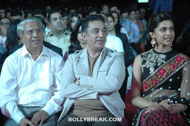 Deepika Padukone in black saree with Kamal Haasan at 59th South Filmfare Awards  - Deepika Padukone with Kamal Haasan at 59th South Filmfare Awards