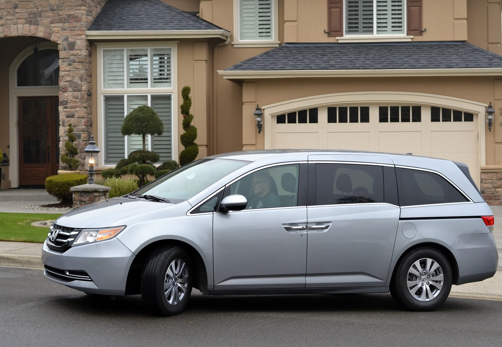 After reading some reviews done by actual professionals comparing the overall mechanical quality of the leading vans most showing the odyssey as the clear