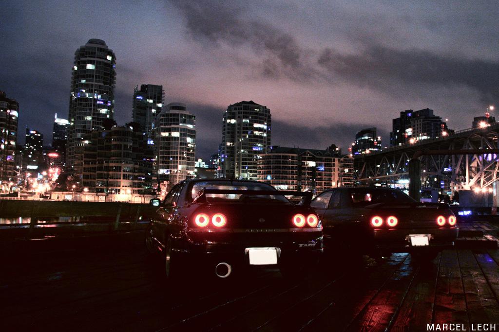 Nissan Skyline R33 & R32, samochody z duszą, najlepsze sportowe auta, japońska motoryzacja, RB26, AWD, ATTESA, samochody w nocy