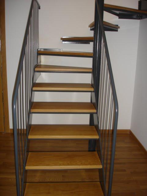 Xinzo de limia ourense escaleras duplex for Piso xinzo de limia