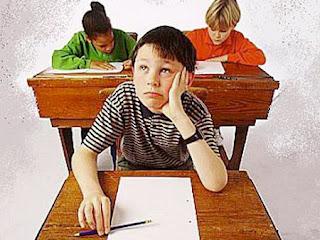 طالب ترك ورقة الامتحان خالية ونجح !!!