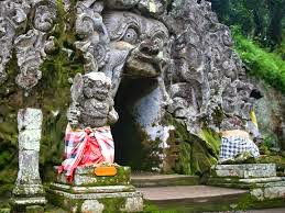 Tempat Wisata Pilihan Goa Gajah Bali