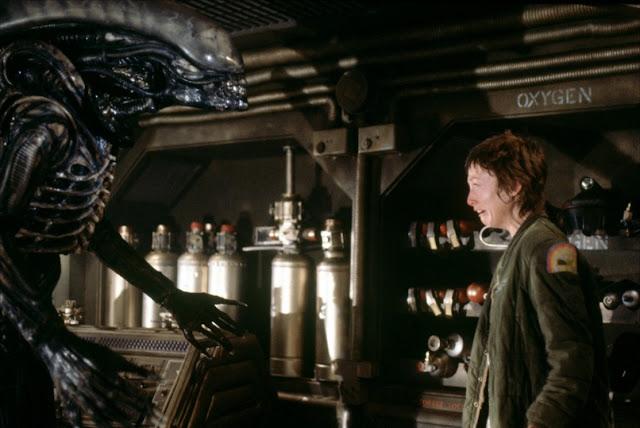 фильмы ужасов про космос, список, лучшие фильмы ужасов про пришельцев, фильмы про инопланетян, чужой 1979