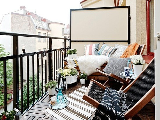 Balcony decorating home decorating ideas for Apartment balcony decoration
