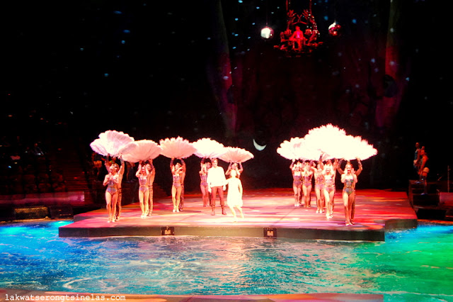 MACAU | MESMERIZED AT THE HOUSE OF DANCING WATER SHOW
