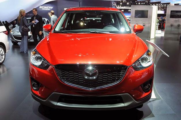 mazda car display CX-3, Mazda CX-3 rival Ford EcoSport and nissan juke