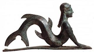 حورية البحر بين الحقيقة والخيال  Mermaid+statue