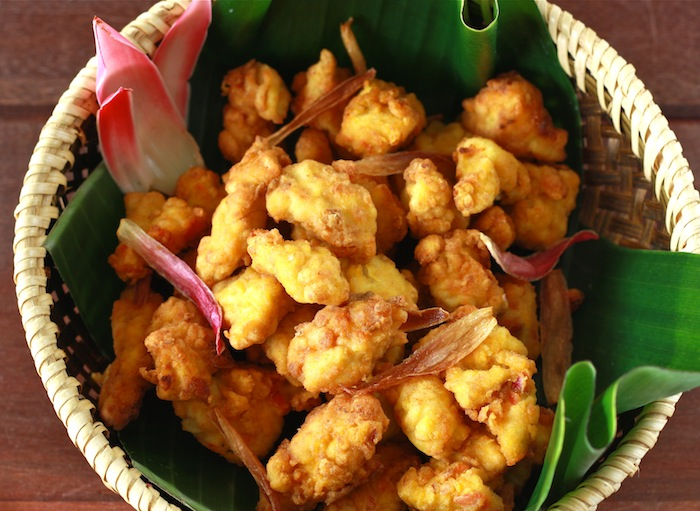 fried chicken recipe with bunga kantan or torch ginger flower