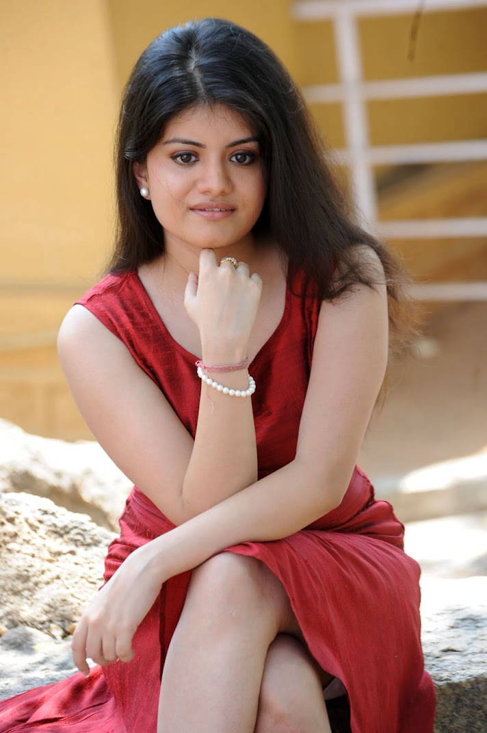Actress Meenakshi Photo Stills