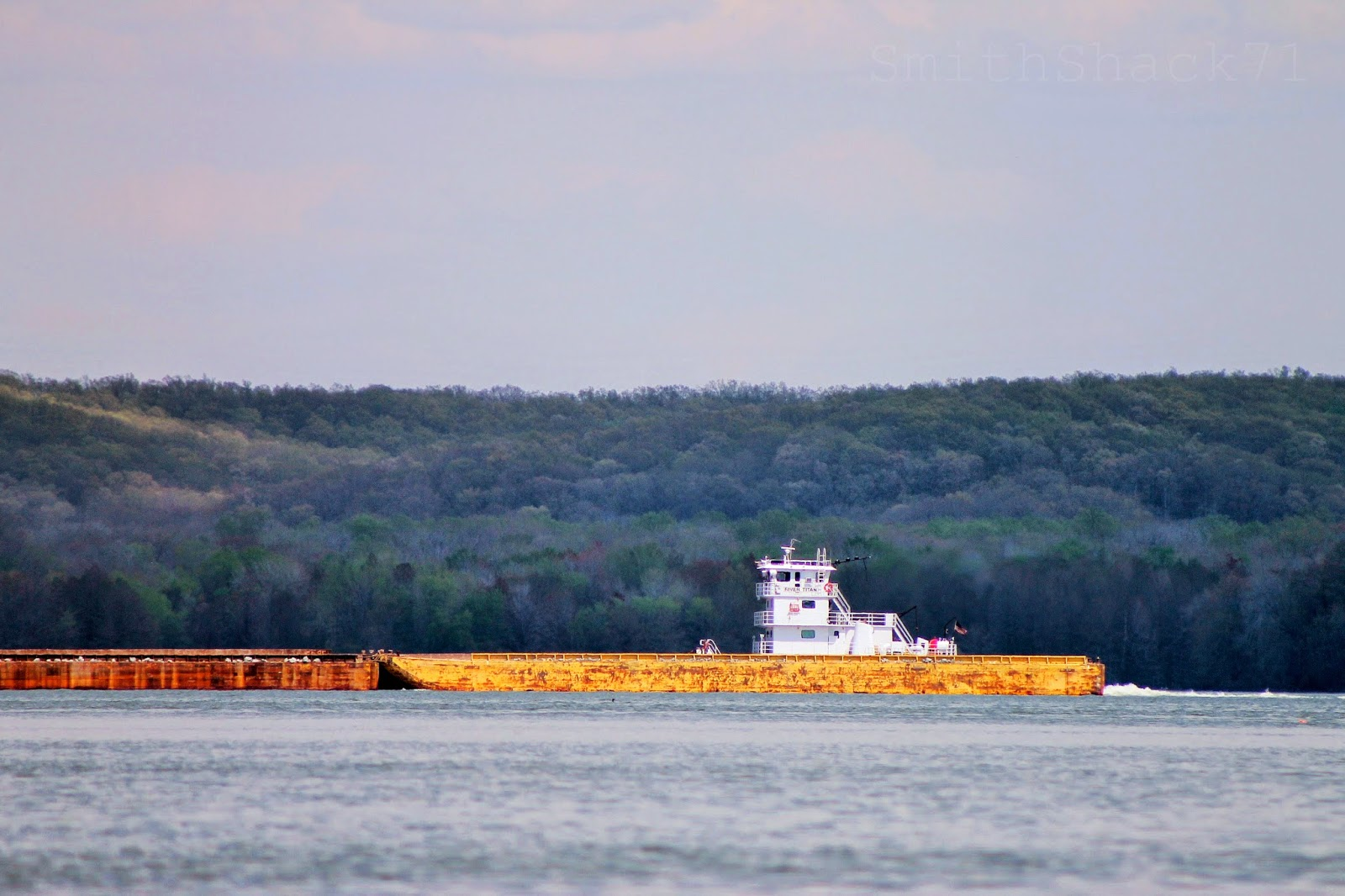 Kentucky lake barge