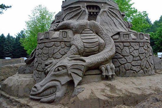 http://3.bp.blogspot.com/-NSUZ6TAT_Mo/Tf-q70PmO0I/AAAAAAAAQL0/YBdGnM9l5GE/s1600/castle_005.jpg
