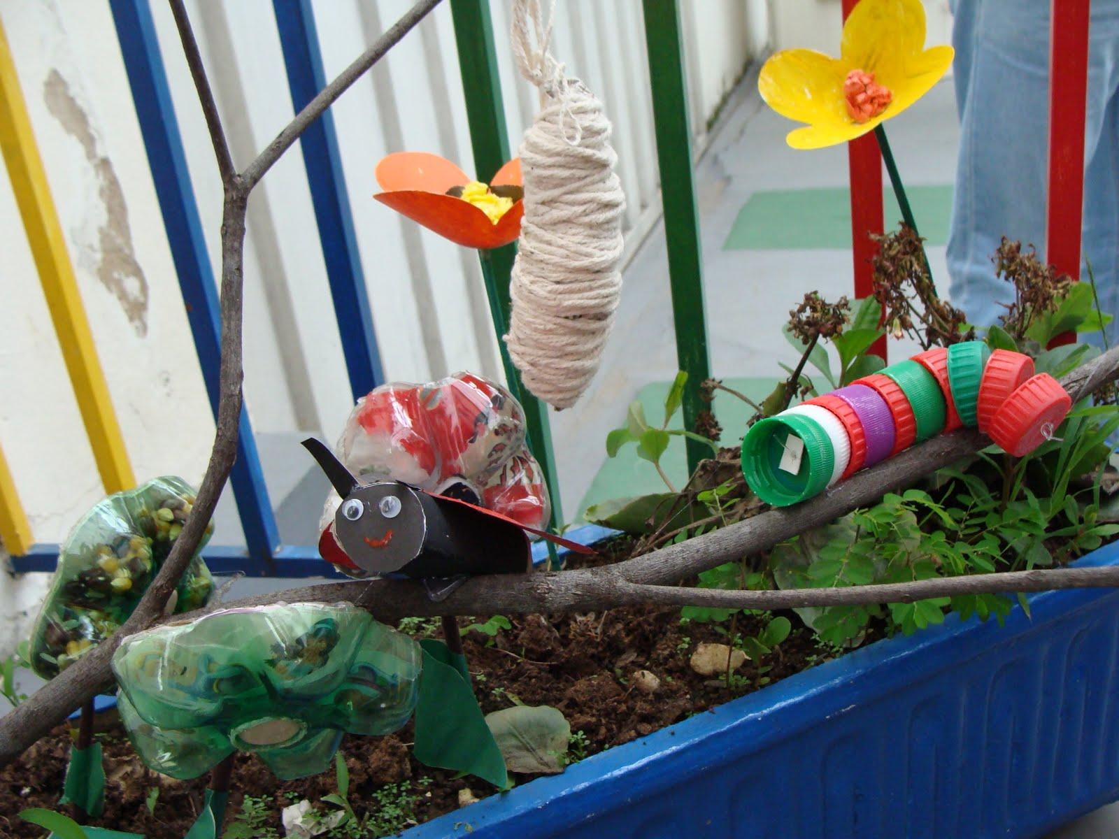 casulo de cordão esconde uma borboleta Joaninha passeia pelo jardim
