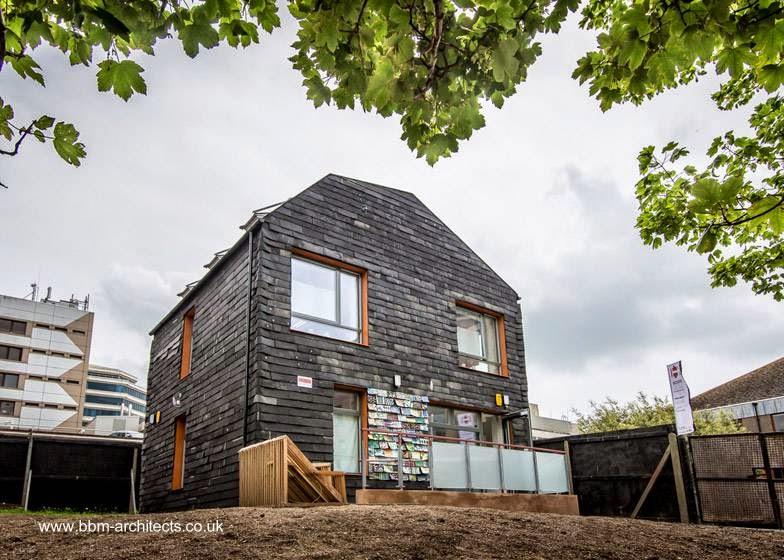 Casa sustentable de construcción ecológica en Inglaterra
