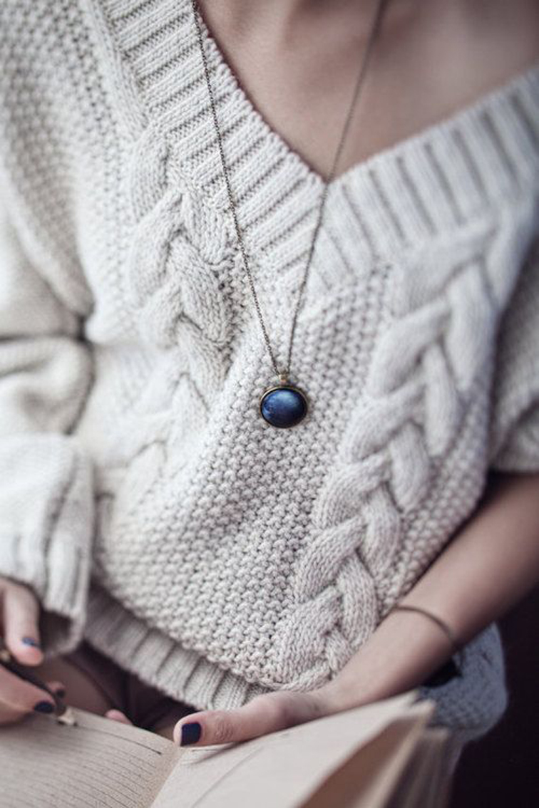 Chunky Cream Knit Dainty Chain Pendant