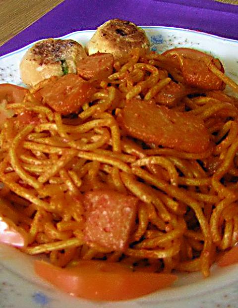 Mee Goreng Recipe @ http://treatntrick.blogspot.com